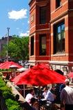 午餐时间在城市 图库摄影
