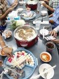 午餐集合包括猪肉、鱼、大虾、乌贼和蘑菇 库存照片