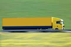 半卡车黄色 免版税库存图片