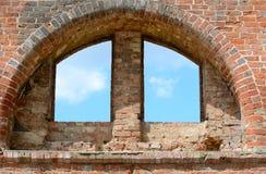 半圆古色古香的窗口 免版税库存图片