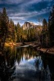 半圆顶反射,优胜美地国家公园,加利福尼亚 免版税库存照片