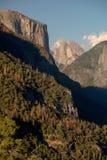 半圆顶和El Capitan 免版税库存照片