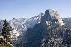 半圆顶山 库存照片