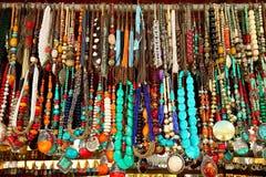 半宝石成串珠状项链 免版税库存图片