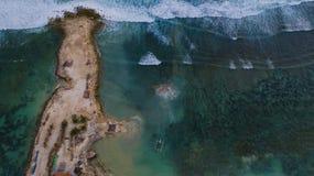 半岛顶视图与小船的 库存照片