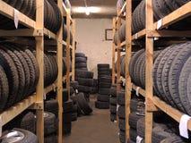 半新轮胎存贮 免版税库存照片