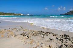 半月湾大西洋海岸-加勒比热带海岛-安提瓜和巴布达 库存照片