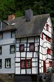 半木料半灰泥的德国房子 库存图片