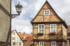 半木料半灰泥的房子在奎德林堡,德国 免版税库存照片