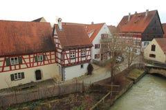 半木料半灰泥的房子在Nordlingen 免版税库存照片