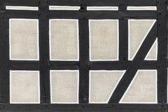 半木料半灰泥的房子背景在Neu Anspach,德国 免版税库存图片