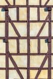 半木料半灰泥的议院细节  图库摄影