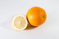 半柠檬和桔子 库存照片