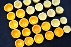 半桔子和柠檬 免版税库存照片