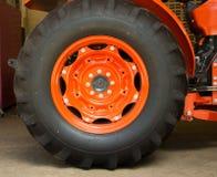 半轮子卡车接近的产业 免版税库存照片