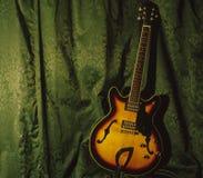 半accoustic吉他 免版税库存图片