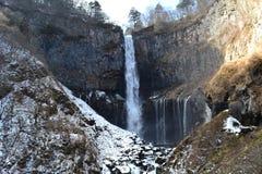 华严瀑布在冬天 免版税图库摄影
