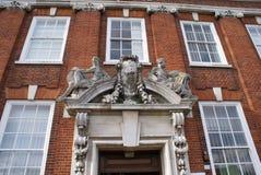 华丽装饰雕刻的门面 免版税库存图片