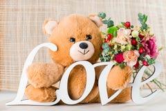 华伦泰` s与玩具熊,信件的天概念爱 免版税库存照片
