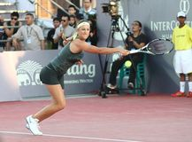 华欣,泰国- DEC 29 :白俄罗斯的维多利亚Azarenka她的损失的对中国的李娜华hin世界网球邀请的在铈 免版税库存图片