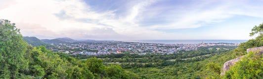 华欣Prachuap Khiri Khan全景都市风景  免版税库存图片