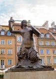 华沙华沙的市标志Syrenka美人鱼雕象P的 免版税库存图片