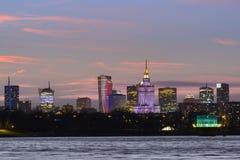 华沙地平线全景在日落期间的 免版税库存照片