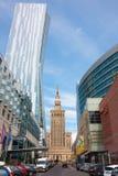 华沙市,老和现代建筑学 免版税库存照片
