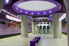 华沙新的地下地铁运输 库存图片