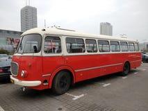 华沙老市公共汽车 库存照片
