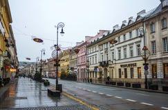 华沙街道有圣诞节装饰的, 2016年11月27日 库存图片