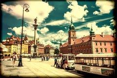 """华沙,波兰†""""2017年7月14日:Plac Zamkowy -城堡正方形在华沙在有王宫的老镇 免版税库存照片"""