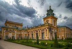 华沙,波兰, 2016年7月1日:皇家Wilanow宫殿在华沙,波兰 在主要门面的看法 免版税库存图片