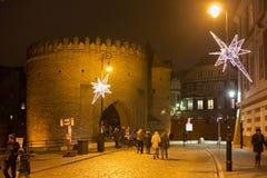 华沙,波兰- 2016年1月01日:华沙外堡的夜视图 库存照片