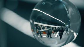 华沙,波兰- 2018年3月5日 回旋曲ONZ地铁火车站如进行下去玻璃球 免版税图库摄影