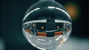 华沙,波兰- 2018年3月5日 训练离开回旋曲ONZ地铁火车站 免版税图库摄影