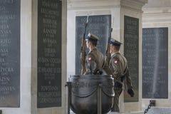 华沙,波兰- 7月, 08 :无名英雄墓 免版税库存照片