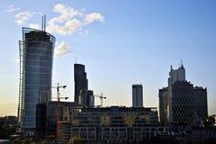 华沙,波兰 2016年8月11日 现代摩天大楼的看法在市中心 华沙地平线 免版税库存图片