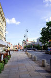华沙,波兰- 8月1 :游人徒步街道在华沙, P 免版税图库摄影