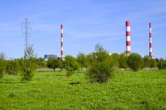 华沙,波兰- Siekierki力量和热厂在Czerniakow qu 免版税库存照片