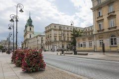 华沙- 7月09 :圣十字教堂 免版税库存图片