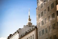华沙- 5月19:文化和科学宫殿在2019年5月19日华沙街市在华沙,波兰 峰顶的看法  库存照片