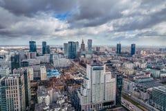 华沙/波兰- 03 16 2017年:全景在市中心 免版税库存图片
