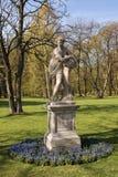 华沙 Lazienki (巴恩)皇家公园 雕塑黎明 免版税图库摄影