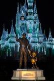 华特・迪士尼世界米老鼠雕象 免版税库存照片