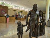 华盛顿和他的家庭雕象在芒特弗农是乔治・华盛顿的种植园家 免版税库存图片