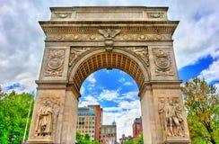 华盛顿广场曲拱,一个大理石凯旋门在曼哈顿,纽约 免版税图库摄影