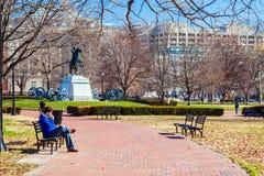 华盛顿特区,美国- 2006年1月27日:人谈话在P的电话 免版税库存照片