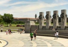 华盛顿特区, - 2018年6月01日:访客二战memori 免版税图库摄影