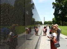 华盛顿特区, - 2018年6月01日:越战的人参观 免版税库存照片